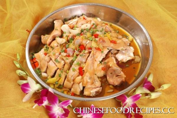What is Hunan cuisine?