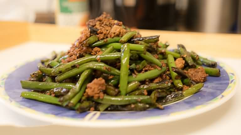 Szechuan Dry-Fried Green Beans(干煸豆角) - Chinese Food Recipes