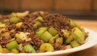 Chinese Celery Beef Stir Fry(芹菜炒肉末)